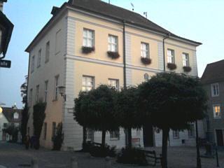 nicht Gunzenhausens Rathaus, sondern das Museum, aber auch eine Art Exschloss