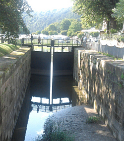 Bad Karlshafen, der alte Landgraf-Carl-Kanal mündet in die Weser