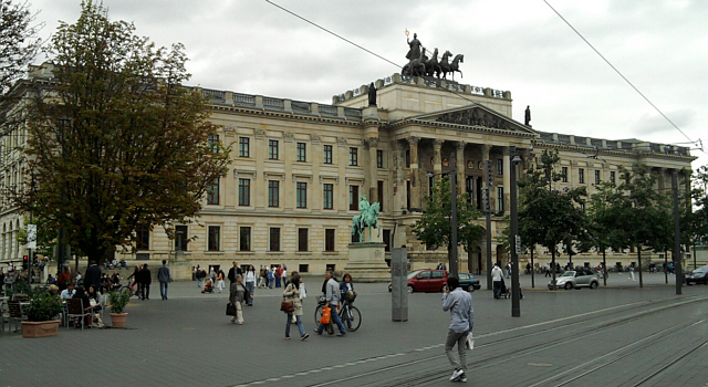Braunschweig, Shoppingschloss von außen