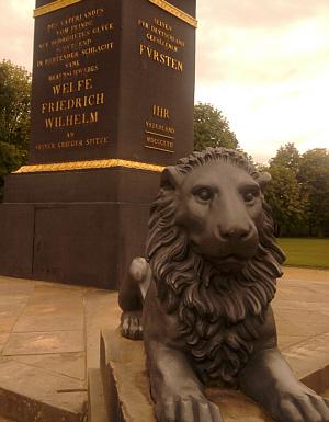 Braunschweig, noch ein Löwe (vorm Obelisk am Löwenwall)