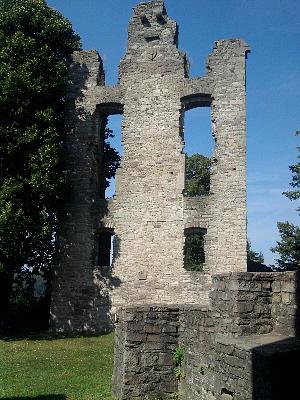 Helmarshausen (Bad Karlshafen), Burgruine Krukenberg, Rest der Kirche