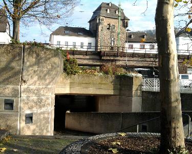 Linz, Fußgängerunterführung vom Rhein her