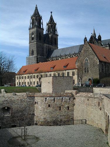 Magdeburg, Dom, nun hinter preußisch-vorpreußischer Festungsbastion