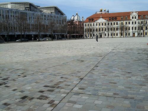 Magdeburg, Teil des Hundertwasserhauses hinter dem Domplatz bzw. ehemaligen Exerzierplatz