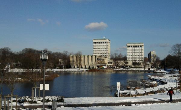 Marl, City-See und Rathaus