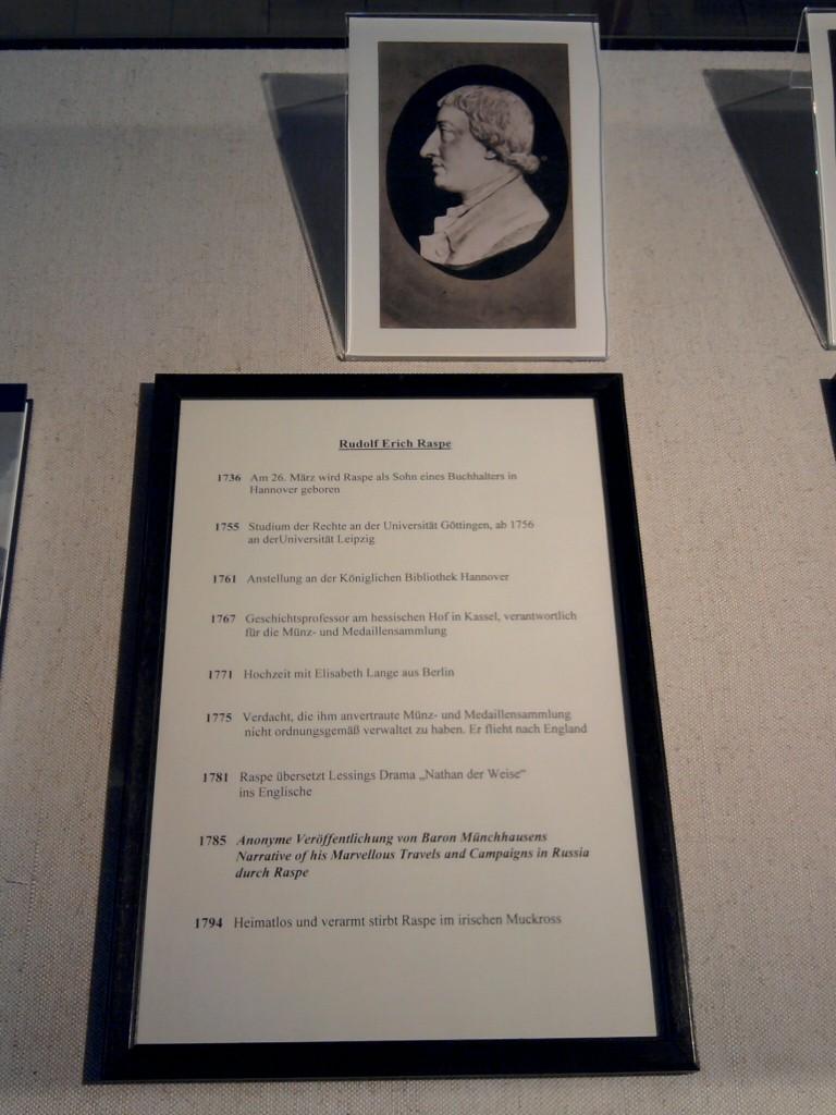 Bodenwerder, Rudolf Erich Raspes Vita im Münchhausen-Museum