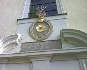 Guttenberg, Inschrift über der Kapelle