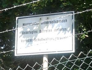 Diez, Zaun des Kasernengeländes