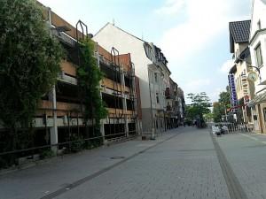 Lehrte, Fußgängerzone & Parkhaus (ungefähr wo die alte Zuckerfabrik stand)