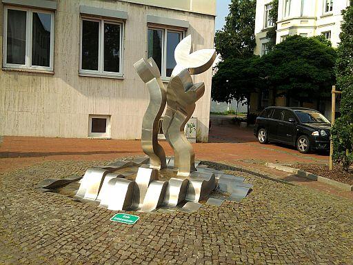Lehrte, Kunst im öffentlichen Raum (Sedanplatz)