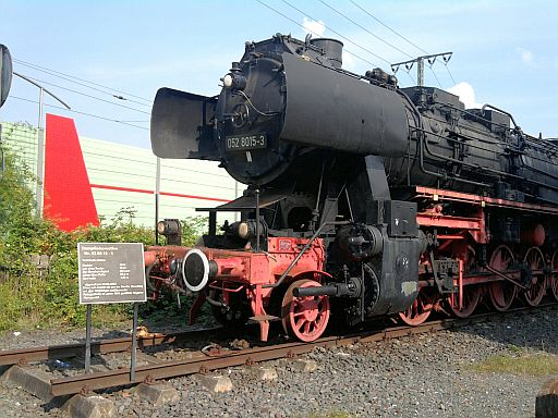 Lehrte, ausgestellte Lokomotive von 1942