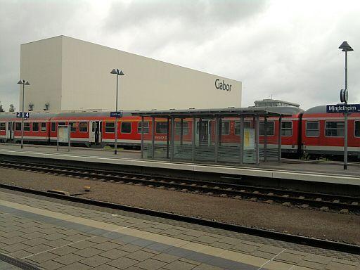 Mindelheim, Bahnhof (und Logistikzentrum eines Schuhherstellers)