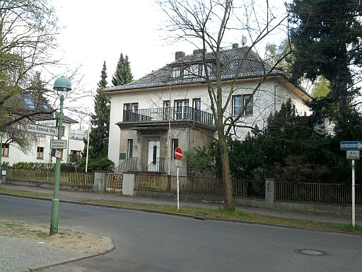 Berlin-Pankow, Majakowskiring (wo Otto Grotewohl wohnte)
