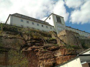 Blieskastel, Schulgebäude anstelle des alten Schlosses