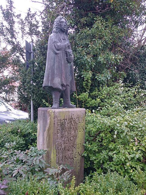 Lingen, Denkmal für den Hochschulgründer Pontanus