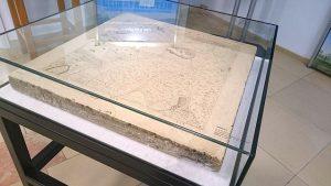 Solnhofen, Steinplatte mit Lithographie drauf