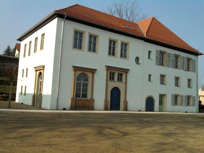 Sassanfahrt, Schloss