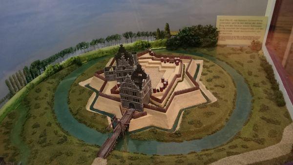 Pinneberg, Modell des Schlosses im Stadtmuseum