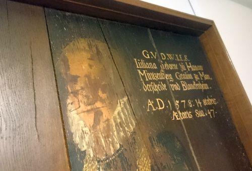Blankenheim, von französischen Revolutionären zerstörtes Gräfin-Gemälde im Museum