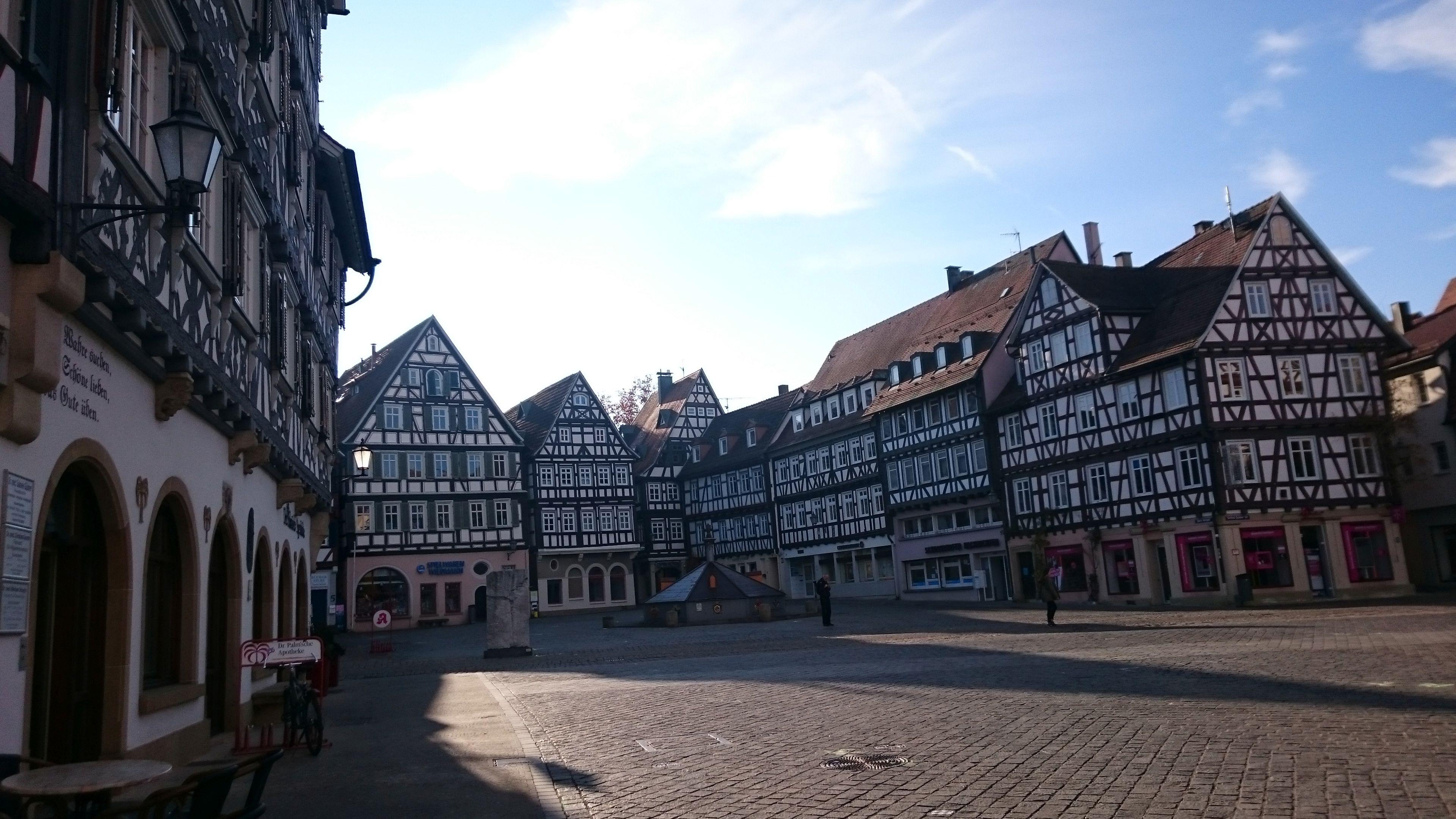 Schorndorf, Marktplatz voller Fachwerk